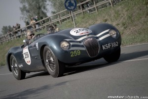 Mille-Miglia-2015-Lodi-Derek-Bell-Jaguar-C-Type-1953