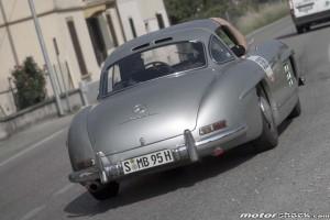 Mille-Miglia-2015-Lodi-Gorden-Wagener-Mercedes-Benz 300-SL-Coupé-W-198-1955
