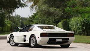 Ferrari-Testarossa-bianca-mono-specchio-Miami-Vice- (3)